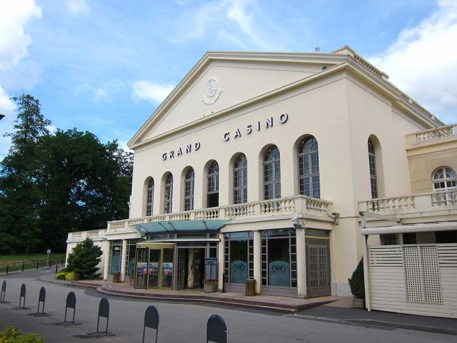 Guild of Motoring Writers EuroClassic casino Forges les Eaux